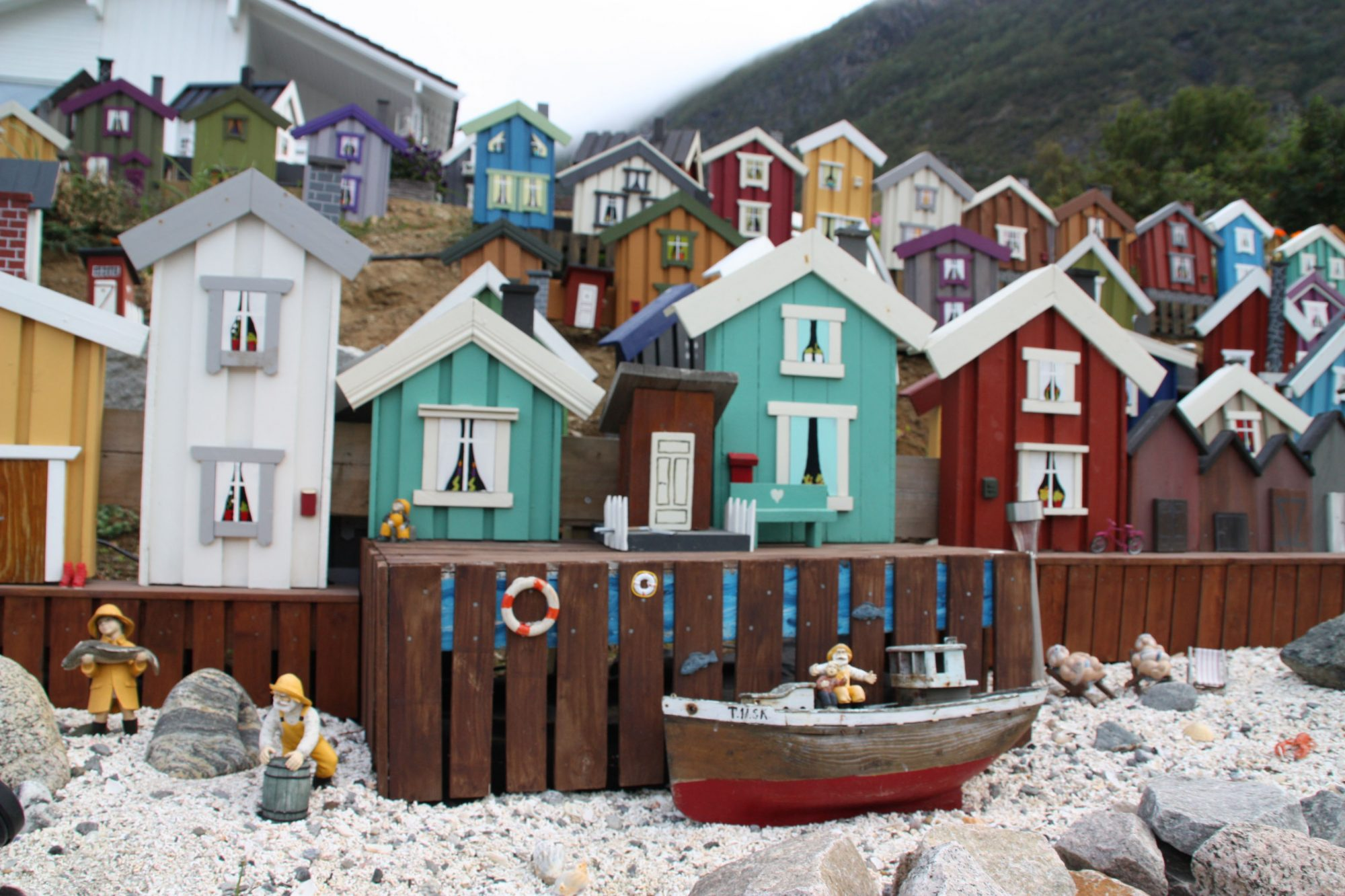 Kasfjord City – en fargerik miniby