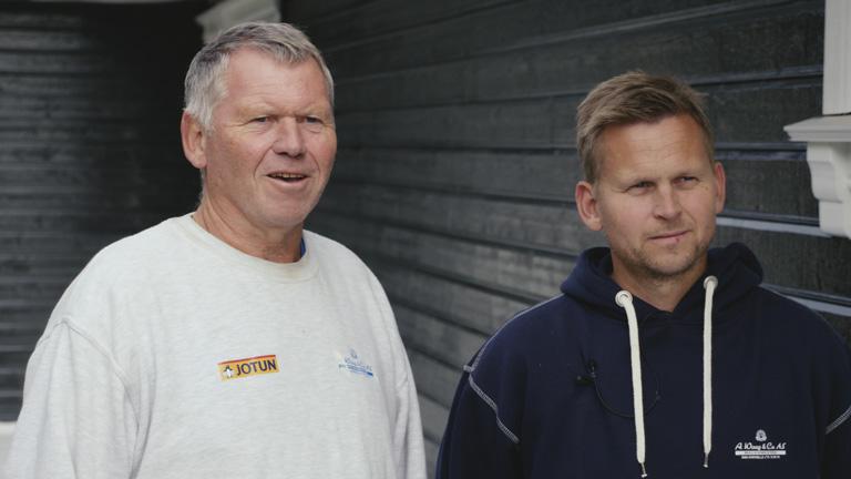 Arnfinn Waag (t.v.), malermester med mange år i bransjen,og Arne Waag, malersønn og daglig leder i A. Waag & Co AS har god erfaring med sprøytemaling.