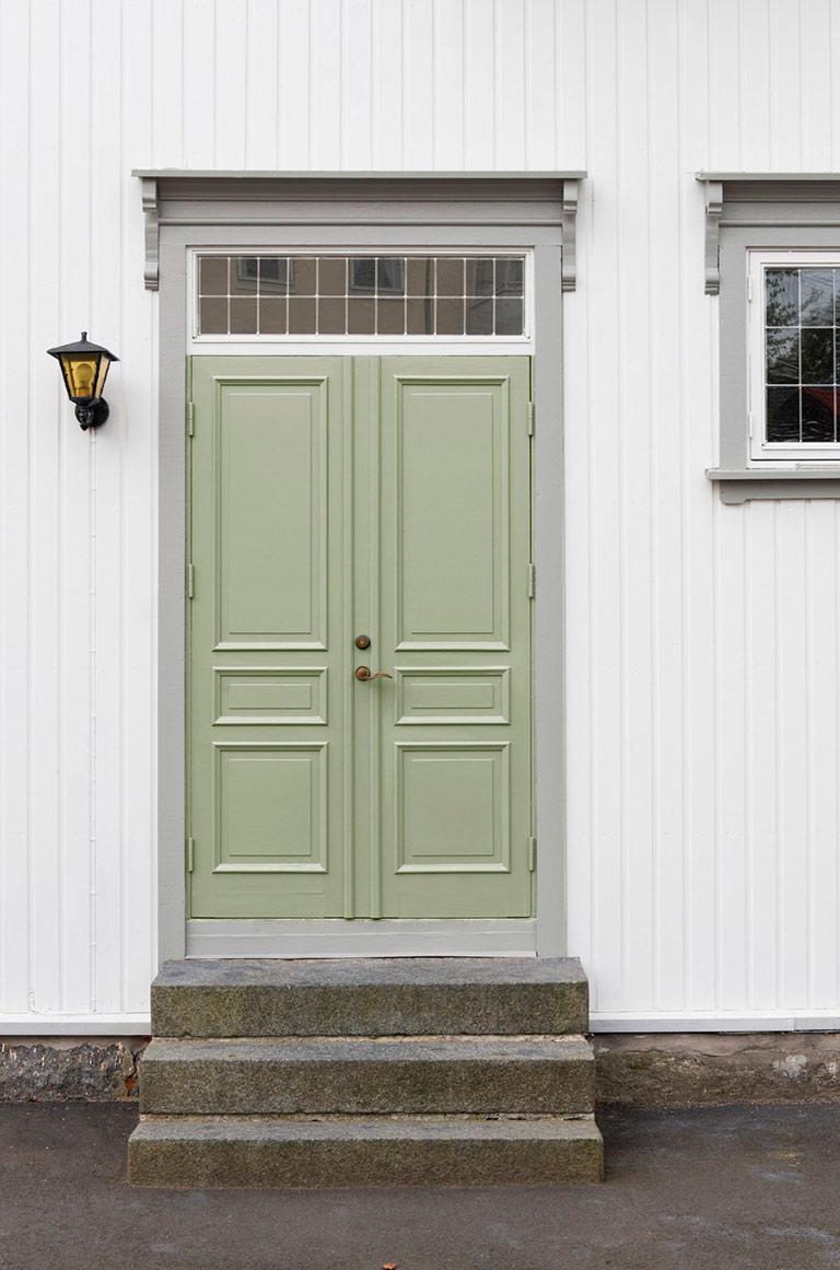 Stadig flere finner frem grønnfargene som utendørsfarge igjen.
