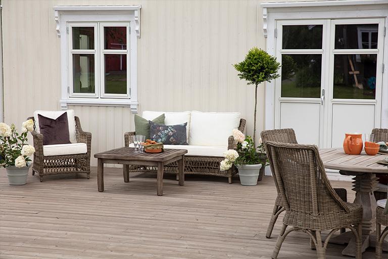 Landlig terrasse med ny farge