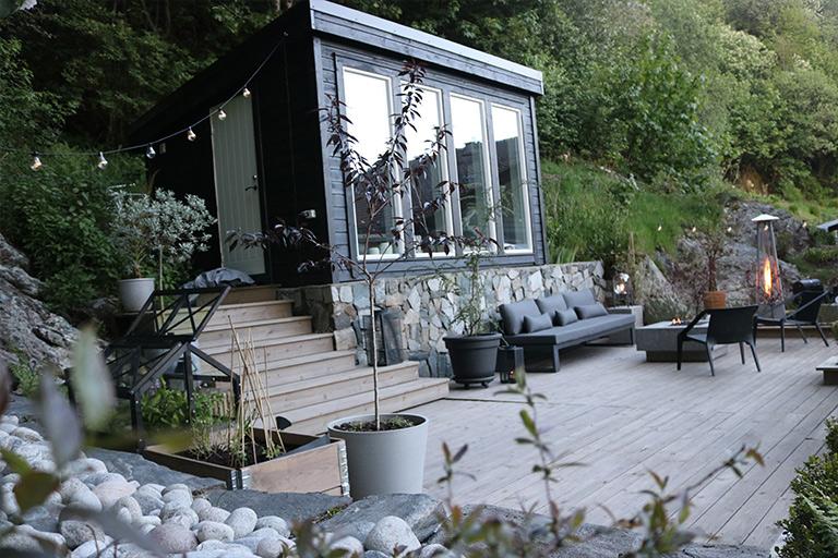 Forvandling med helhetlig terrassefarge!